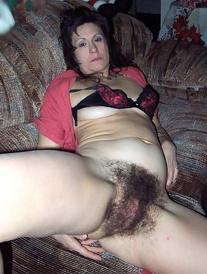 Real moms naked with hairy pussy