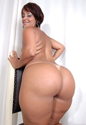 Moms with big buts naked