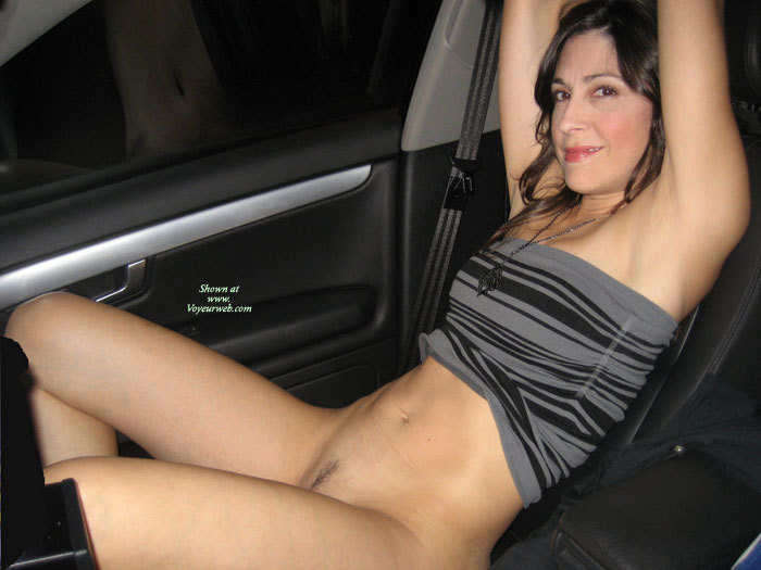 Flashing pussy in the car