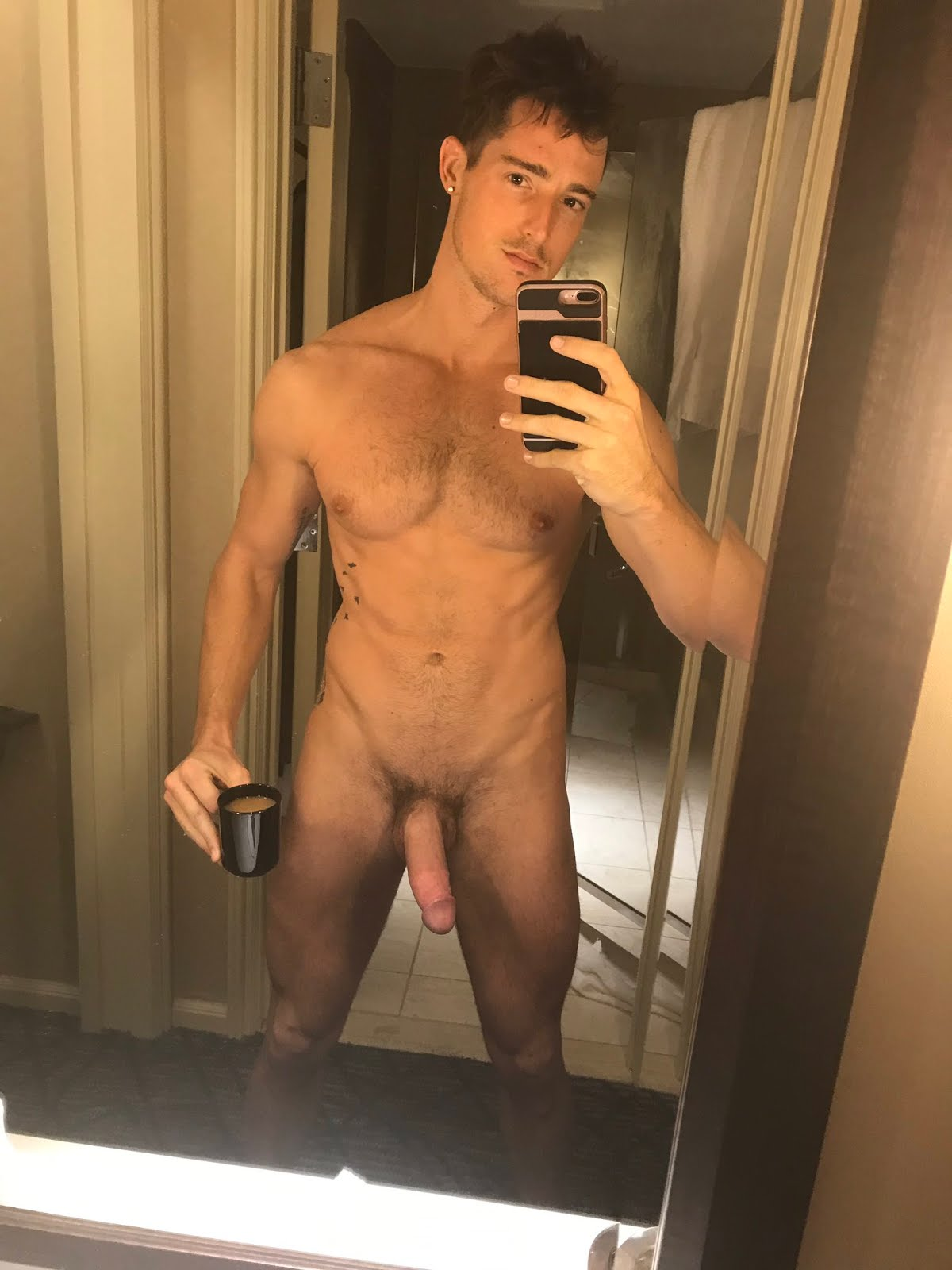 Hot guys naked mirror pictures